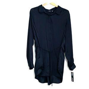 NWTs APT 9 • Long Sleeve Black Collar Top Blouse